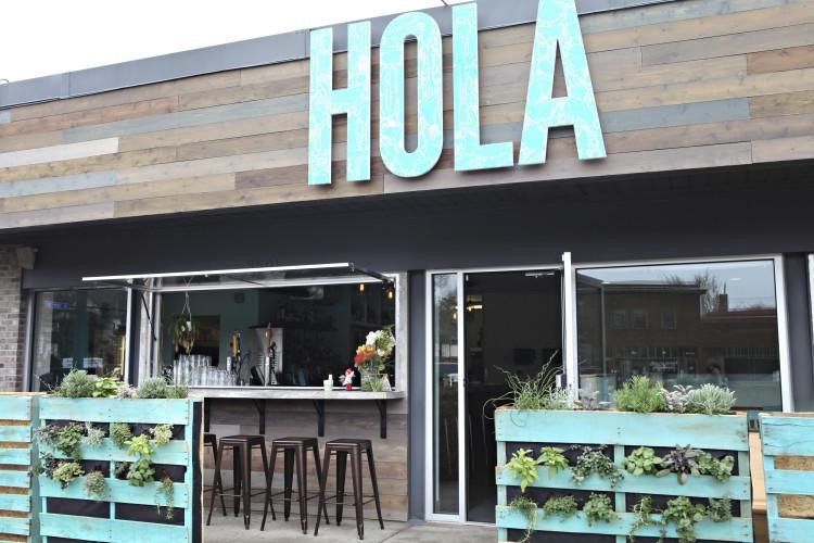 Good In Its 2015 List Of Great Outdoor Dining Spots, Minneapolis Eater Said That  Hola Arepa Has Burst Into The U201cstratosphere Of Godlike Food Status.u201d