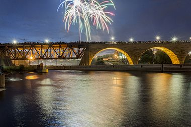minneapolis-red-white-boom